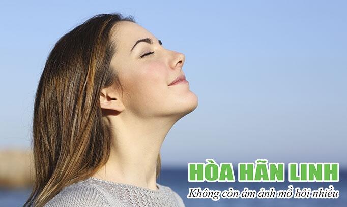 Hít sâu, thở chậm giúp làm giảm mồ hôi khi căng thẳng
